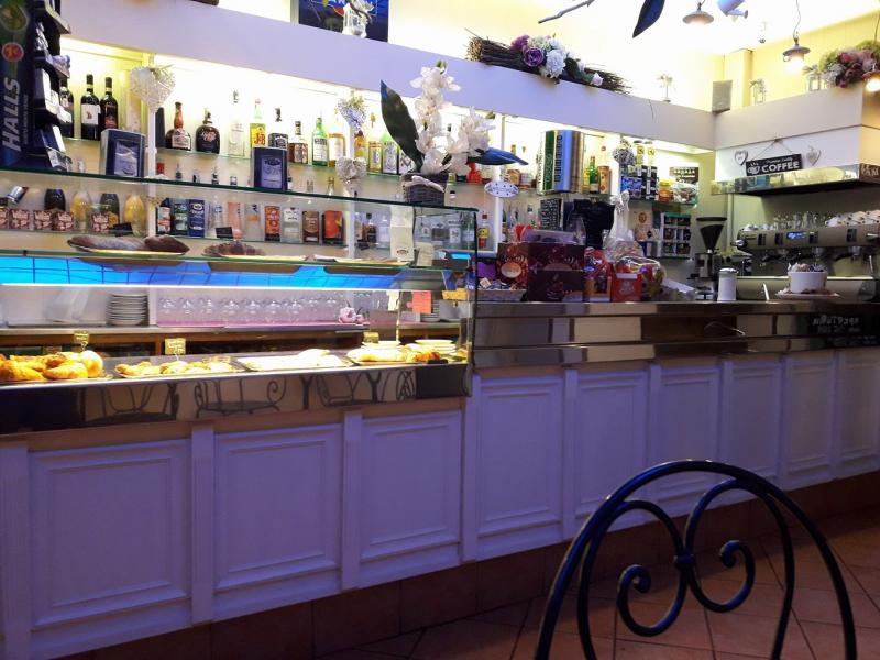 Cinzia S Bar